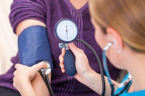 Ποιες τροφές μειώνουν την υψηλή αρτηριακή πίεση;