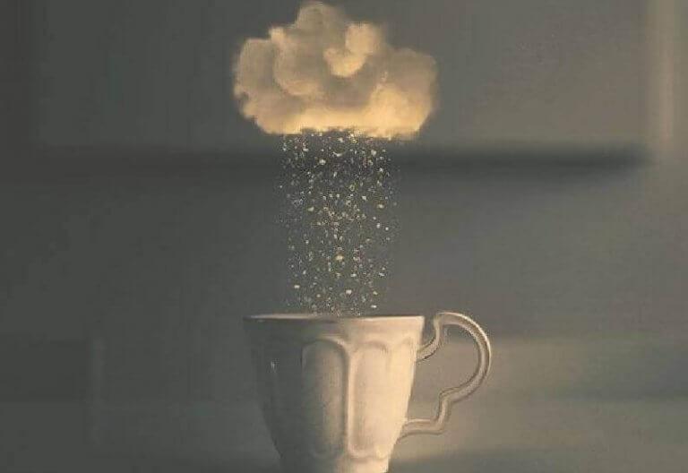 Χάσματα ανάμεσα στους ανθρώπους - Σύννεφο και κούπα