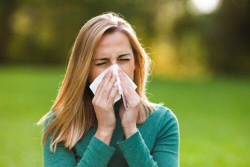 Τι προκαλεί τους μαύρους κύκλους; Αλλεργίες