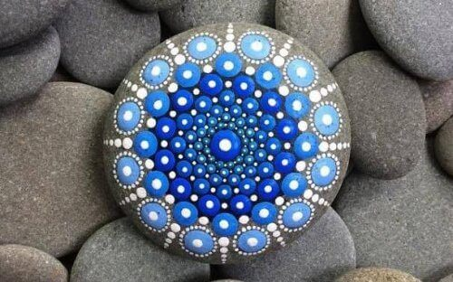 Δημιουργείστε ζωγραφική σε πέτρες
