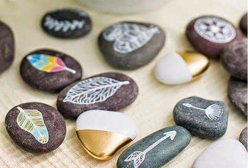 ζωγραφική σε πέτρες - διασκεδαστικά σχέδια