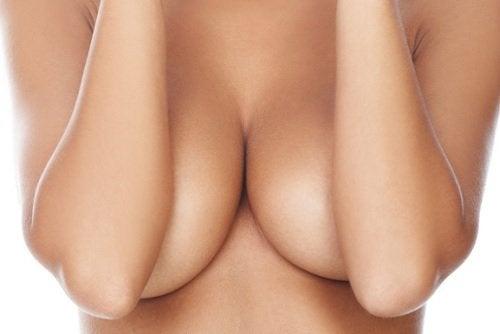 το να μη φοράτε σουτιέν έχει πλεονεκτήματα για την υγεία του στήθους