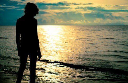 Γυναίκα στη θάλασσα