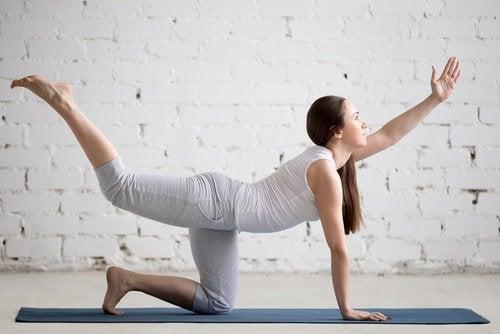 Οι έξι καλύτερες ασκήσεις για να δυναμώσετε τη μέση σας