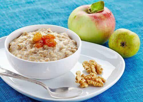 5 χορταστικές τροφές για το πρωινό σας που αδυνατίζουν