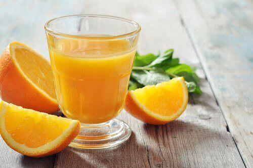 Χυμός από καρότο - Πορτοκάλι και χυμός