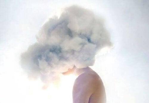 Ψάχνετε στο υποσυνείδητο - Σύννεφα στο κεφάλι