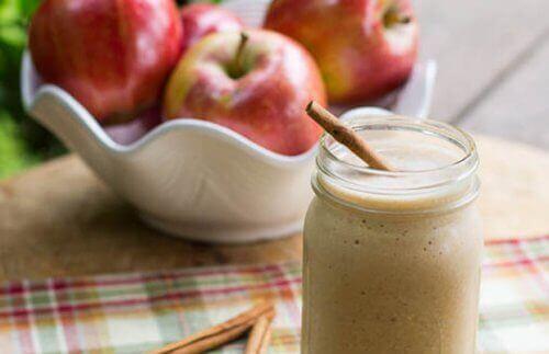 4 εκπληκτικά smoothies με μήλo για επίπεδο στομάχι
