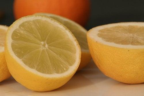 10 εκπληκτικές χρήσεις για το λεμόνι. Είναι τέλειες