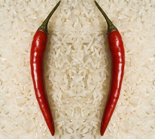 πιπεριες και ρύζι