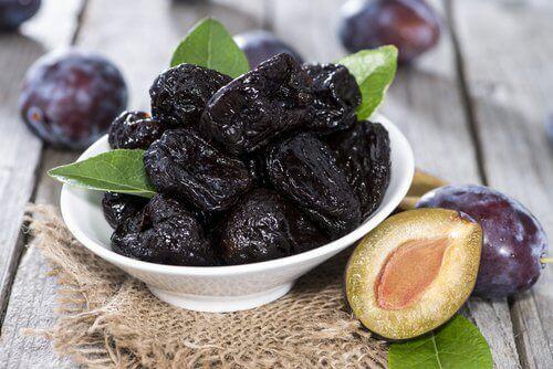 αποξηραμένα φρούτα - δαμάσκηνα