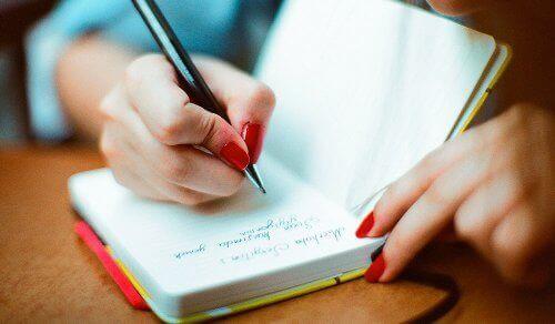 Διάβασμα και τήρηση ημερολογίου για υγιή εγκέφαλο