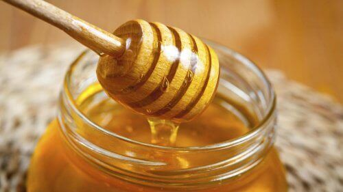 Ανακαλύψτε τις 5 εκπληκτικές ιδιότητες του μελιού