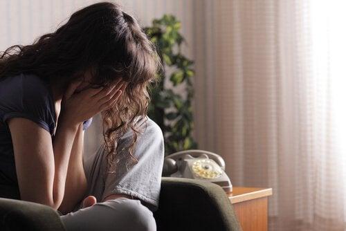 Ασυναίσθητες μη ελκυστικές συνήθειες - ψέμματα