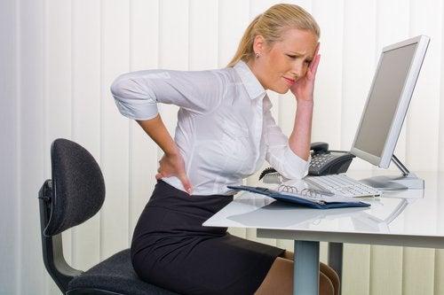 πόνος στην πλάτη και προβλήματα στα νεφρά