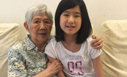 Μια δωδεκάχρονη δημιουργεί εφαρμογή για να επικοινωνεί με τη γιαγιά της που πάσχει από Αλτσχάιμερ
