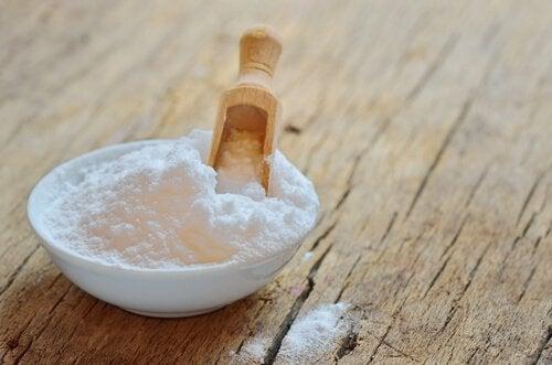 Γιατί χρησιμοποιούμε μαγειρική σόδα για την ονυχομυκητίαση;