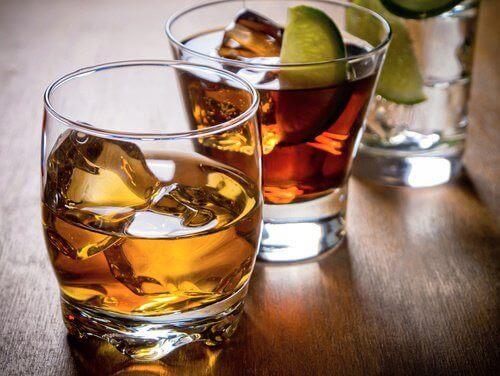διατροφικές συνήθειες που προκαλούν κατάθλιψη - αλκοόλ