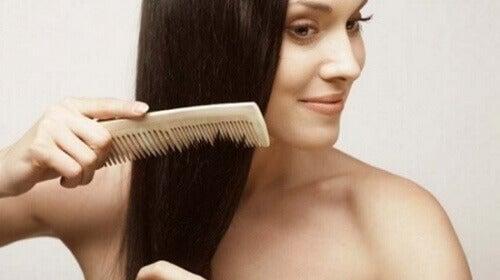 χτένισμα μαλλιών