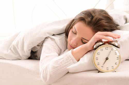 9 τροφές που θα σας κάνουν να κοιμάστε καλύτερα