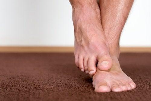 Νεκρά κύτταρα - Πόδια άνδρα