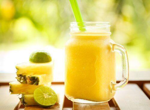 λεμόνι, χυμός, smoothies για τη δυσκοιλιότητα