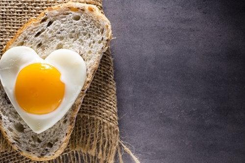 Πως ωφελείστε όταν τρώτε αβγά;
