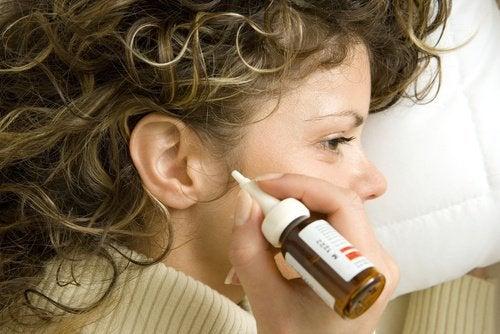 Φυσικές θεραπείες για να αφαιρέσετε το κερί των αυτιών