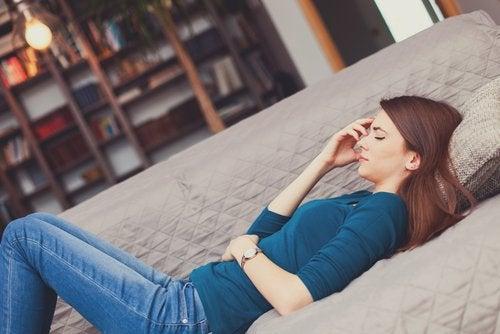 Οξύς πόνος στην κοιλιά - σήματα που σας στέλνει