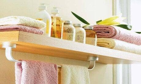 8 πράγματα που δεν πρέπει ποτέ να αφήνετε στο μπάνιο