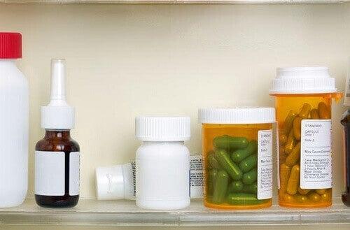 Φάρμακα σε ράφι