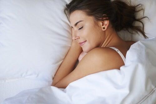 Καλύτερο ύπνο - Γυναίκα κοιμάται