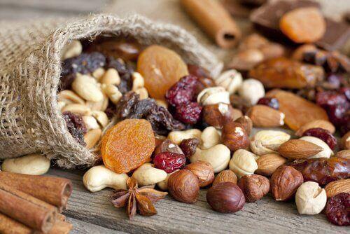 7 λόγοι που πρέπει να τρώτε περισσότερους ξηρούς καρπούς