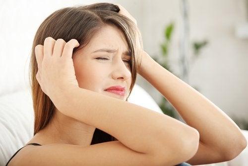 Γυναίκα με νευραλγία τριδύμου