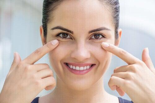 Ποιο έλαιο να χρησιμοποιείτε για νακαθαρίσετε το πρόσωπό σας;
