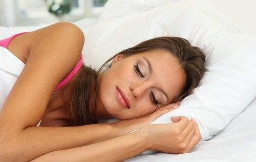 από τα λάθη που κάνετε φροντίζοντας τα μάτια Ύπνος με μακιγιάζ