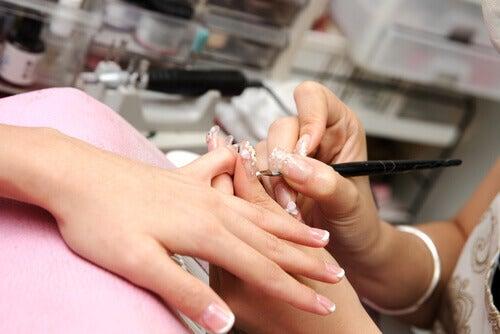 νύχια, περιποίηση, σημάδια στα νύχια και υγεία