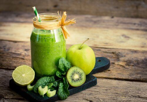 Σμούθι με φρούτα και λαχανικά