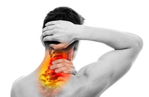 Θεραπεύστε φυσικά τον πόνο στον λαιμό και την πλάτη