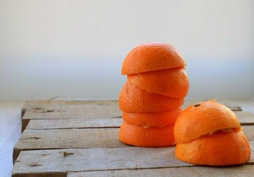 Φλούδες πορτοκαλιού απαλλαγείτε από την πέτρα