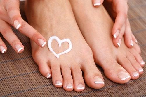 πόδια, καθαρά- ασπιρίνη για την αφαίρεση των κάλων