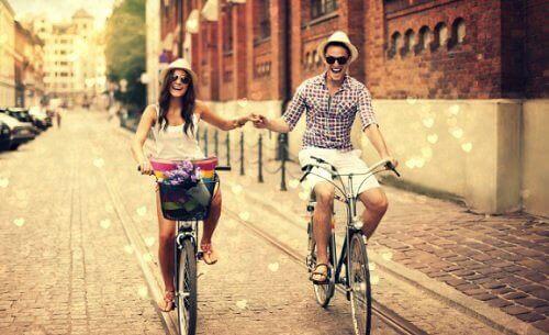 διατηρήσετε τη σχέση Κάνοντας ποδήλατο μαζί