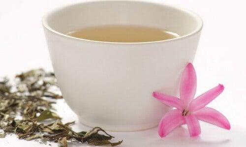 για να δυναμώσετε τους μύες σας Λευκό τσάι