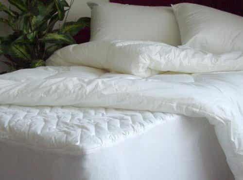 Πώς να καθαρίζετε το στρώμα και τα μαξιλάρια σας