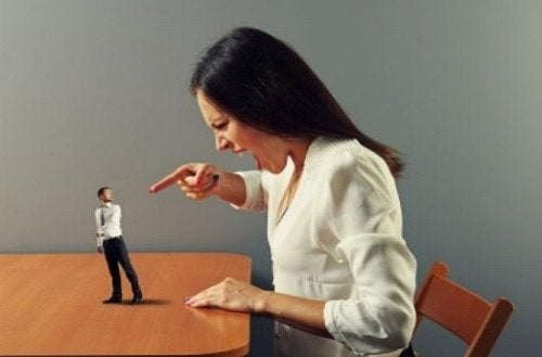 σημάδια λεκτικής κακοποίησης