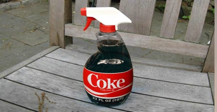 οι περίεργες χρήσεις της Coca Cola