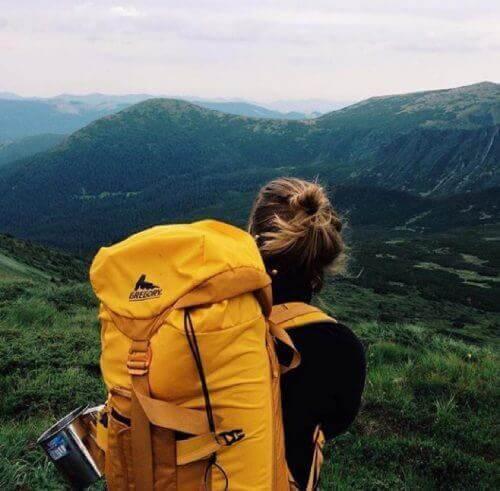 κοπέλα, φύση, βουνά