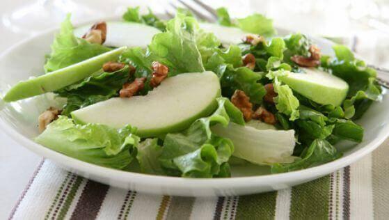 πράσινο μήλο, σέλερι- έναν υγιή εγκέφαλο