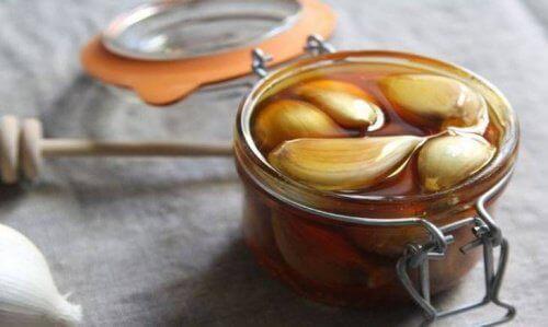 θεραπεία, με μέλι και σκόρδο