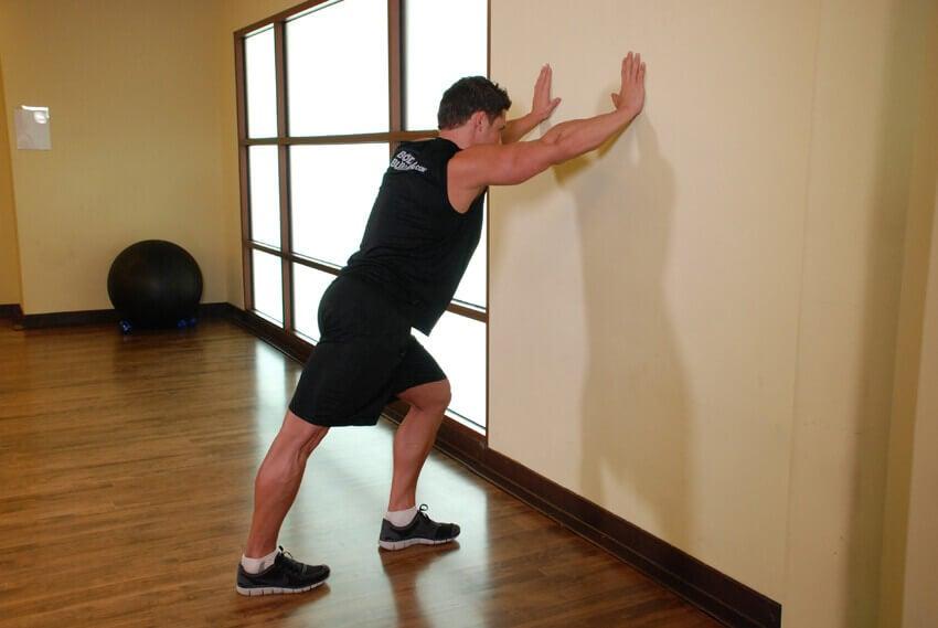 άσκηση γάμπας από άνδρα